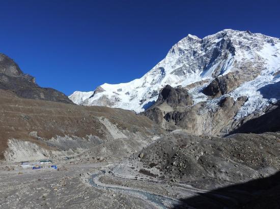 Le Makalu BC vu lors de la montée vers le Makalu Pattar