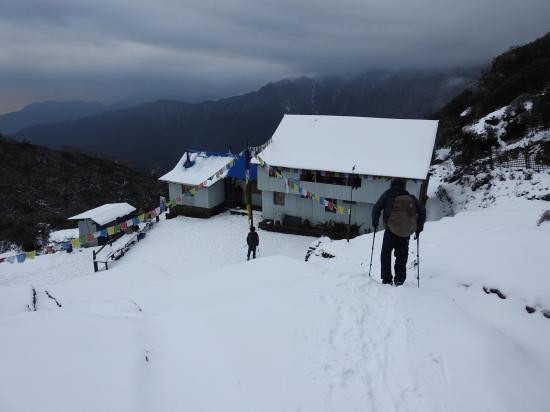 Arrivée au lodge de Kongma danda