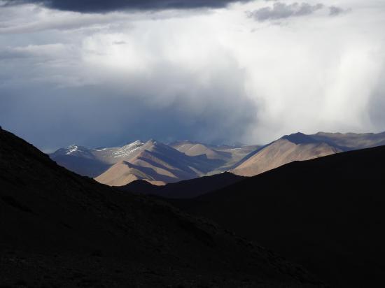 A la descente du Shukule, il y en a une belle sur le Norbu La...