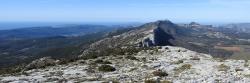 Le plateau sommital de la Sainte Baume vu depuis le Jouc de l'Aigle