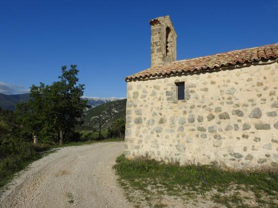 La chapelle au-dessus du col de l'Aiguillon Saint Claude