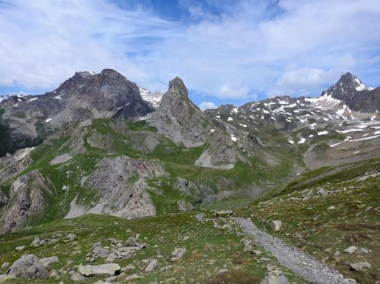 Panorama sur la combe du Grand Lac depuis le col de l'Aiguillette