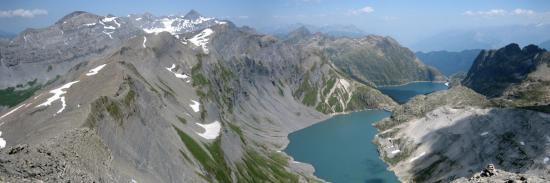 Le lac supérieur d'Emosson vu depuis le col Vieux