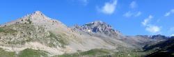Petit et Grand Aréa vus depuis la route d'accès au col du Granon