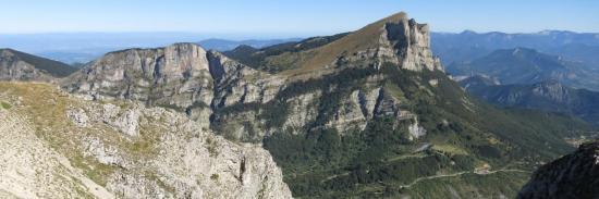 Le massif des Trois Becs depuis le sommet du Grand Delmas (montagne de Couspeau)