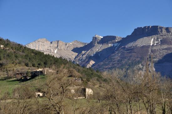 La vallée de Quint (remparts de Font d'Urle)