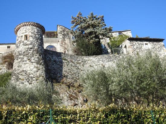 Le château de Chomérac