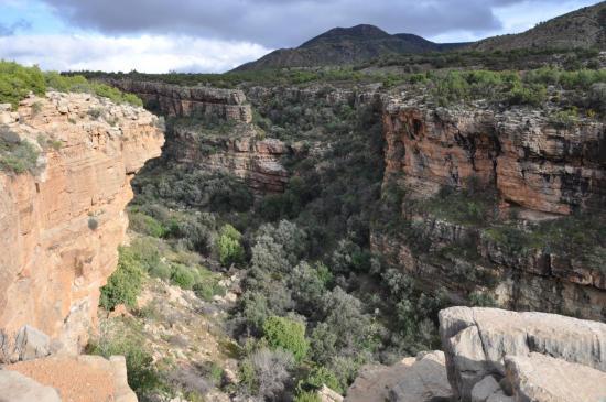 Sur la rive droite du canyon de Tamlalt