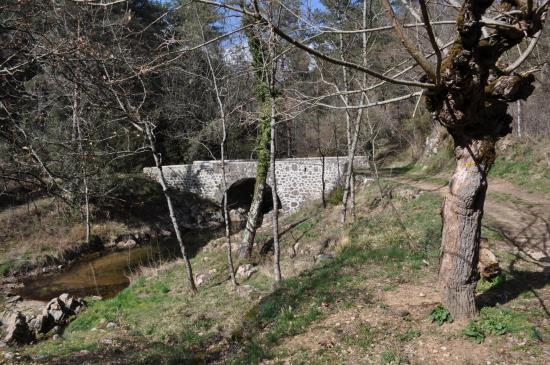 Après St-Micher, on franchit le pont sur le Doulet