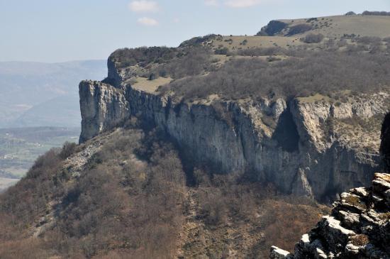 Les falaises de la montagne du Poët (Rocher de la Tournelle, Bisquerle et Serre-Gros)