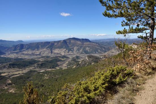 Le massif du Grand Barry vu depuis le Pas de Tripet
