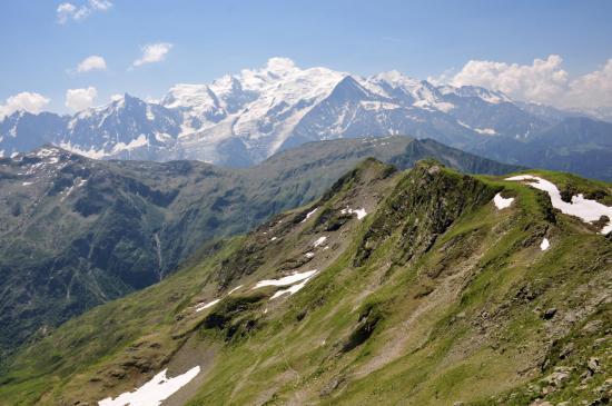 Le massif du Mont-Blanc vu de la Tête Noire de Pormenaz