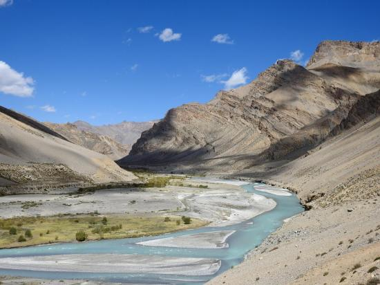 Le long de la Tsarap entre Sarchu et le Nakee La