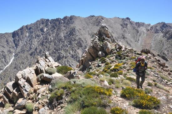 Exploration de la crête entre le tizi n'Tizzirt et le Mtdadène
