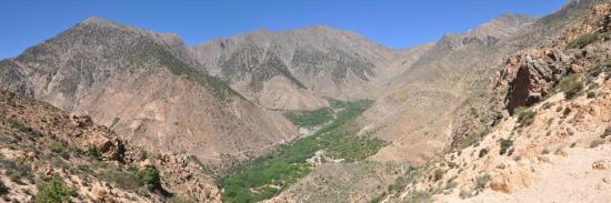 Le sentier balcon entre Annezigh et le tizi n'Oughersioud