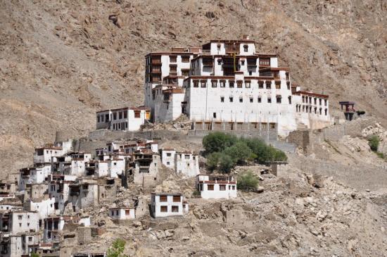 Le monastère de Chemre (Karu)