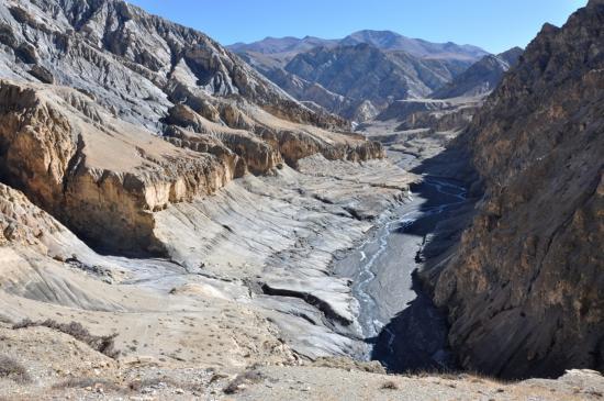 La vallée de la Chhuchhugompa khola