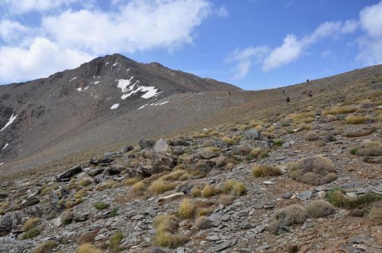 Dans les dernières pentes pour atteindre le sommet de l'Igdet
