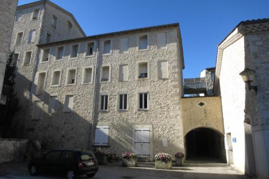 Les anciennes papeteries Latune (Blacons)
