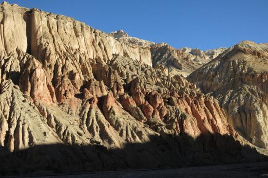 La porte d'entrée du far-east du Mustang : le canyon de la Chaka khola