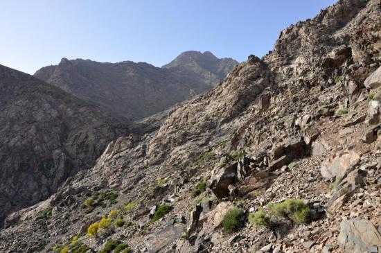 L'arête rocheuse qui donne accès au vallon du Ras Moulay Ali