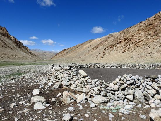 La doksa à l'entrée de la vallée des kiangs