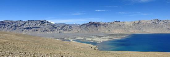 La partie S du lac du Tsomo Riri comme vue d'avion au niveau du Norbu La