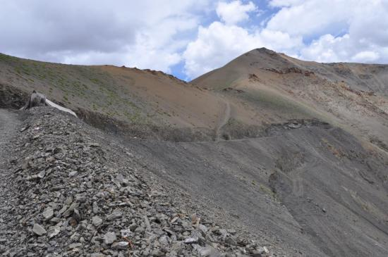 La piste au pied du Kyupa La