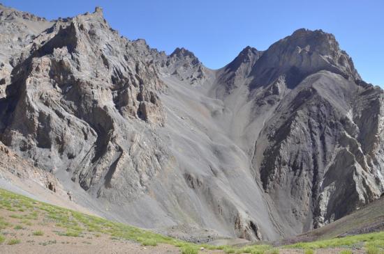 Descente du Tarti La vers Lanak (passage du collet à 4500m)