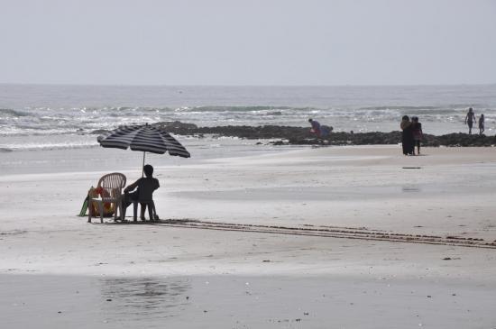 Farniente sur la plage de Tamraght