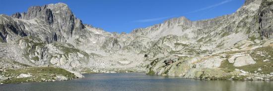 Les lacs Cambalès au-dessus du refuge Wallon