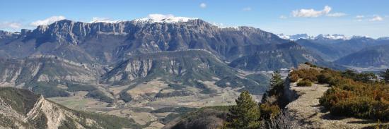 Panorama sur le Diois depuis le sommet de la Montagne de Beaufayn