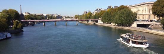 La Seine au niveau du pont des Arts à Paris