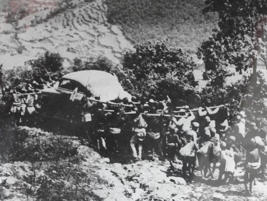 Portage voiture nepal