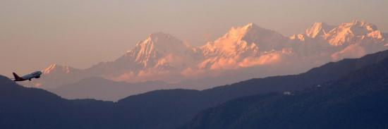 Vue du Ganesh himal à l'approche de l'aéroport de Katmandou