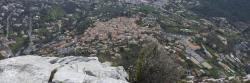 Le village de Saint-Jeannet vu depuis le sommet du Baou