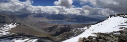 La cuvette du lac vue depuis le sommet du Tsomoriri view peak