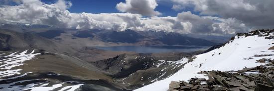 La cuvette du lac vue depuis le sommet du Tsomoriri view peak (photo Rinchen Norbu)