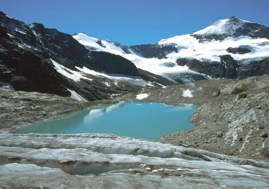 Le lac glaciaire en RD du cirque des Evettes