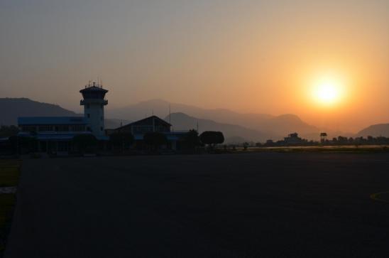 L'aéroport de Pokhara au lever du soleil