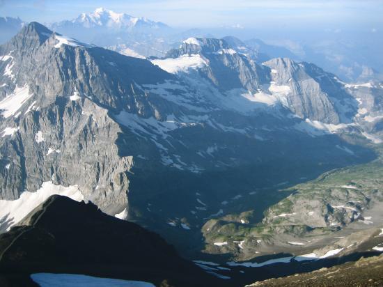 Du sommet de la Haute-Cime, le Mont Ruan