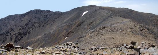 Devant nous, le sommet de l'Iferouane (3996m)