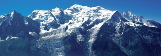Le massif du Mont-Blanc vu depuis le refuge de Bellachat