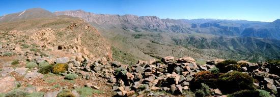 Sur le bord W du plateau du Koucer au tizi n'Tigrint
