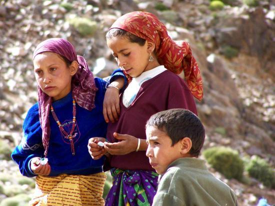 Des villageois des azibs Adouz nous  rendent visite