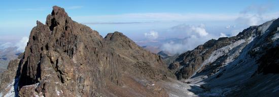 Le col au-dessus du refuge de la Tazaghart (3600m)