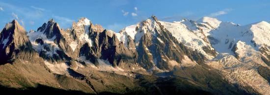 Les aiguilles de Chamonix après l'orage