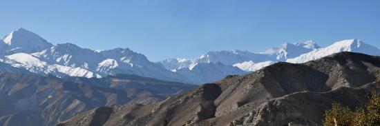 Le massif des Annapurna vu depuis Ghiling