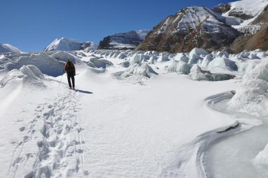 Traversée du glacier pour rejoindre le camp avancé de Thulo dunga en RD