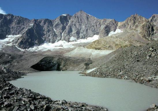 Le lac du col d'Arsine et le pic de Neige Cordier